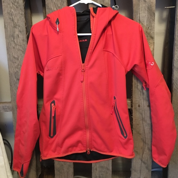 separation shoes pretty cool preview of Mammut women's gore wind stopper jacket